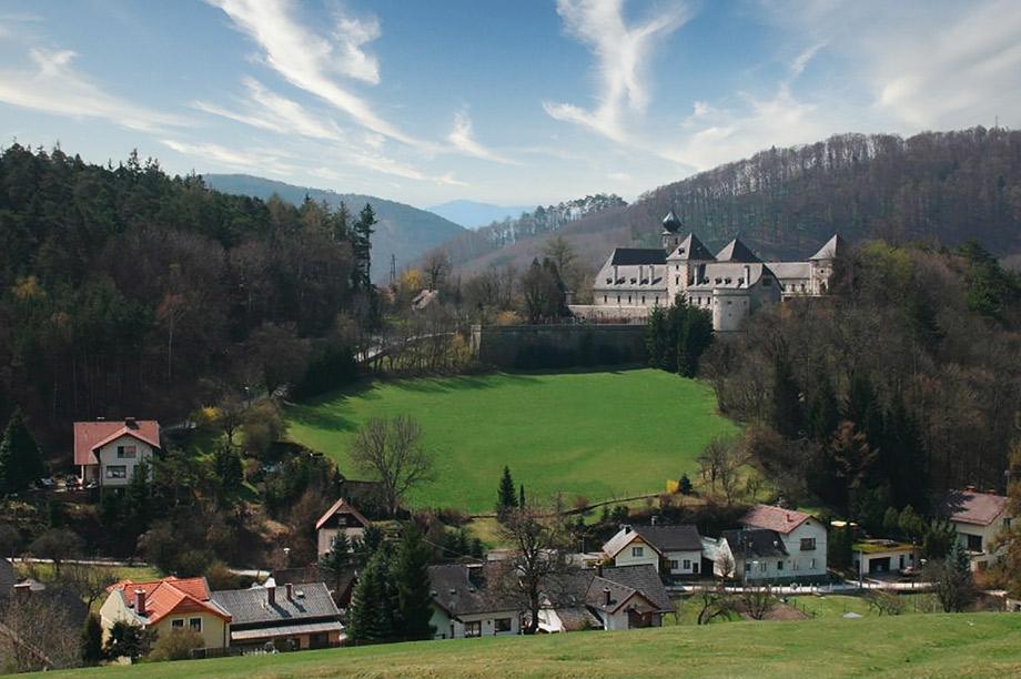 Burg-Neuhaus03_920x612